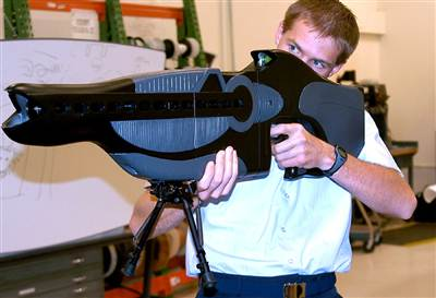 051130_AF-laser-weapon-1_hmed_12p.hmedium.jpg