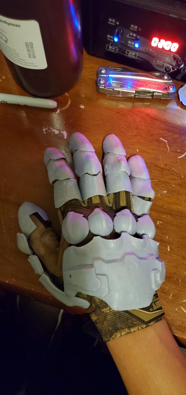 doom glove all fingers.jpg