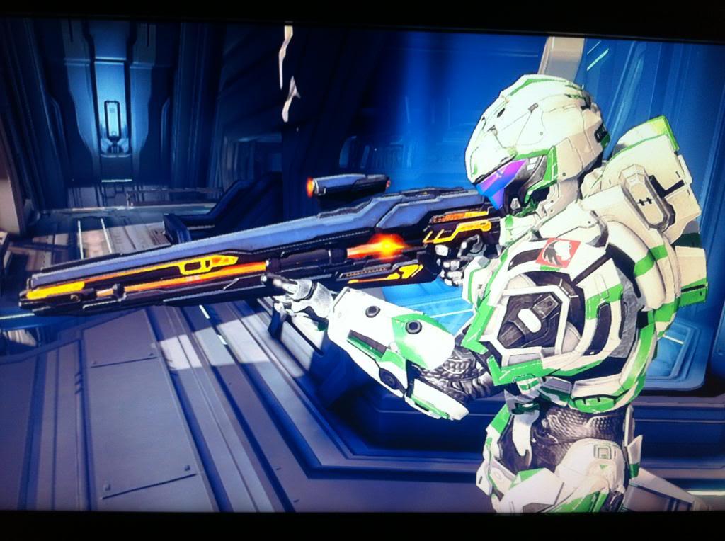 Halo4SpartanPose3_zps0580a052.jpg