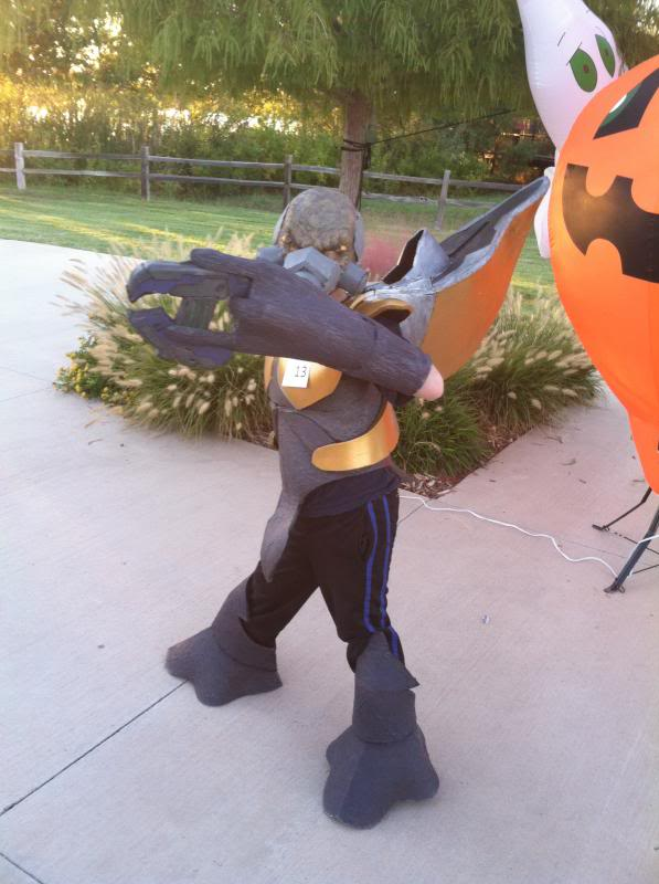 IMG_2951.jpg & Sarlumeu0027s Gruntpocolypse: A double grunt build | Halo Costume and ...