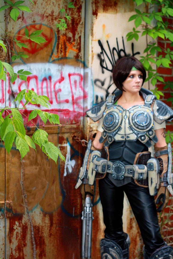 sam___gears_of_war_cosplay_by_cimmerianwillow-d55uix0.jpg